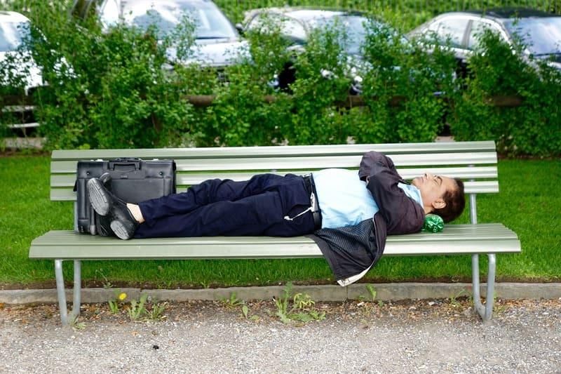 Фото спящего мужчины